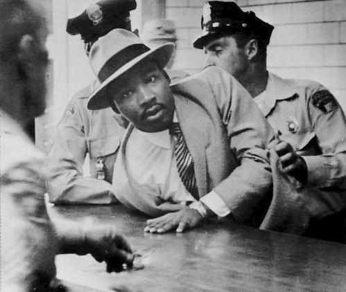 Martin_Luther_King,_Jr._Montgomery_arrest_1958.jpg