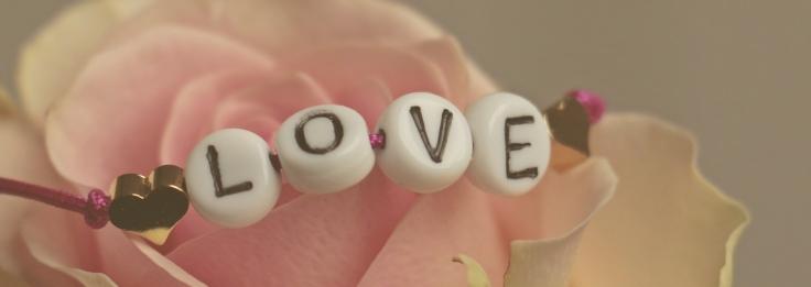 love-3388626_1920